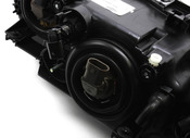 BMW Halogen Headlight Assembly - Hella 63126902518