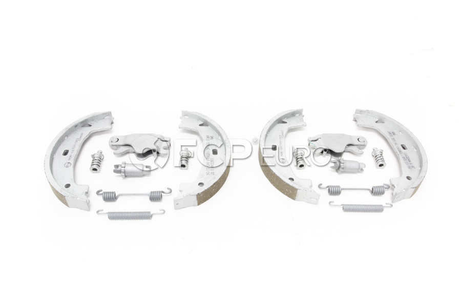 BMW Service Kit Repair Kit Brake Shoes (Value Line
